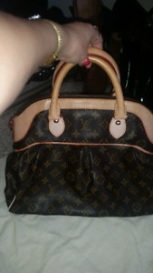 Gorgeous  Louis Vuitton