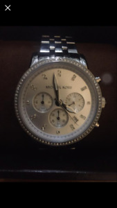 Michael kors $350 silver dial chronograph ladies watch