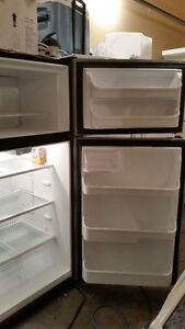 Frigidaire stianless steel Refrigerator and stove LIKE A NEW