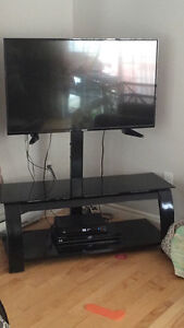 Glass Entertainment Stand w/ Mount