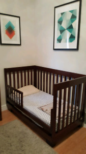 Baby Crib/Toddler Bed