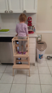 Toddler Learning Tower / Kitchen Helper.