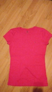 9 tops for shorter women or teenagers(sizes small and medium) Gatineau Ottawa / Gatineau Area image 5