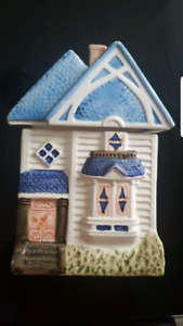 CERAMIC HOUSE DECOR