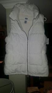 White fleece vest medium brand new with tag!!