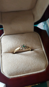 Women's 10kt Gold Emerald and Diamond Ring