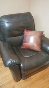 Great shape leather brown couch recliner