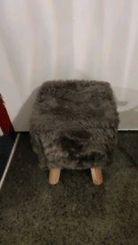 GREY FOOTSTOOL FAKE FUR
