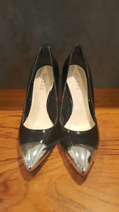 Classy heels by Guess size 6