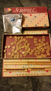Used vintage 1982 scrabble board complete.