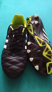 Crampons Adidas cleats-size 8