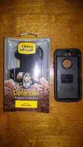 I phone 5/5s Otter box Defender case and belt clip