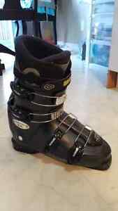 Men's ski boots (28.0/28.5) men's size 10 Kitchener / Waterloo Kitchener Area image 1