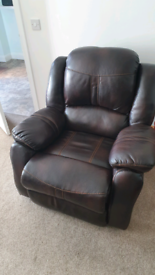 Leather suite with 2 reclining armchairs