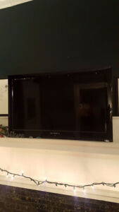 "32"" Dynex Flat screen *price reduced*"