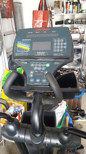 Life Fitness CT 9500 HR Rear Drive Elliptical Trainer -OBO
