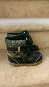 Kids snow boot