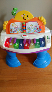 Fisher Price piano - Educational