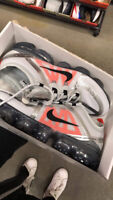 nike vapormax metalic silver/red size 9 neuf/brand new