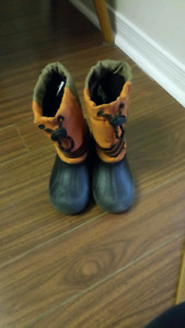 Snow boots for a small boy size 10