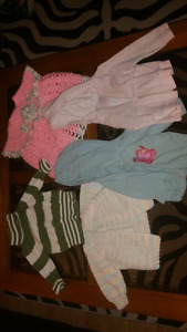 Girls sweaters 5$