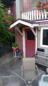 3 bedroom garden suite in kits minutes to parks, shops and beach