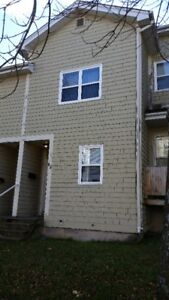 3 Bedroom 2 Storey Towhouse Metcalf St North