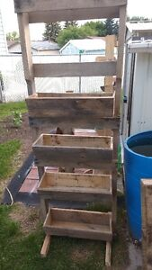 ladder planters and pallet planters