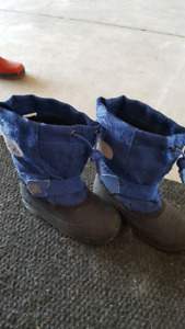 Boys size 10 winter boots