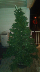 CHRISTMAS TREE , 6 1/2 FT OREGON PINE , Partly lit