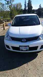 Nissan versa  2010   pls call or texet 250 682 5754