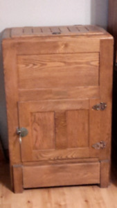 Oak Ice Box