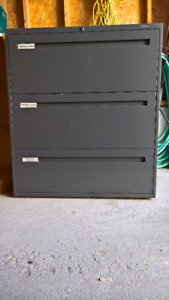 2 FREE file cabinets