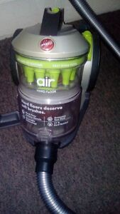 Windtunnel Air Bagless Canister - Hoover vacuum London Ontario image 3