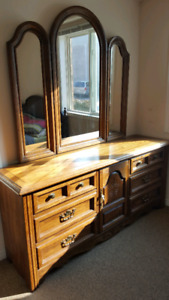 Dresser with mirror + 1 night stand in solid wood