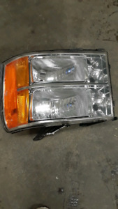 Driver side headlight for GMC sierra good for 2007 to 2013