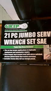 Grip-on-hills jumbo wrench set SAE