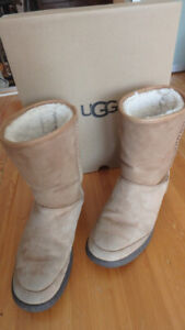 Bottes hiver UGG beiges taille 37 ou 7