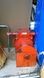 Therm 482 hand crank winch