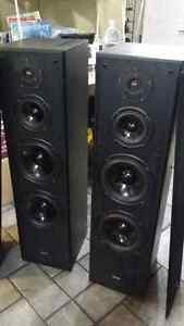 Quest Q4.8 Speakers Loud Loud Loud! Kitchener / Waterloo Kitchener Area image 1