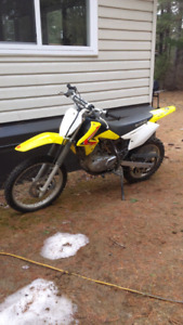2013 125 drz Suzuki 1700 or best offer Mackey Ont  now 1500$