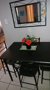 Apartment sized Black table & 4 chairs !*