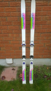Adult Pale ski's, with 350 Tryolia bindings