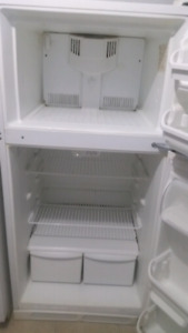 "28""Fridge white Frigidaire"