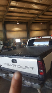 Black tonneau cover