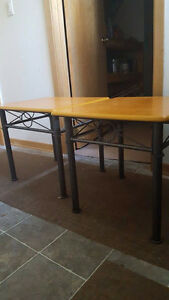 Set of 2 end tables Beautiful! must go by Fri 28th