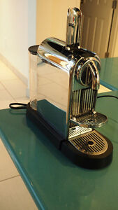 Machine a café Nespresso Citiz + Aeroccino NOUVEAU PRIX West Island Greater Montréal image 1
