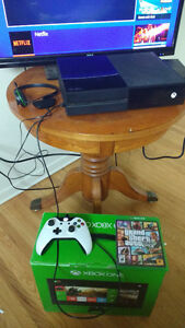 Mint 500gb Xbox one with 8 games and more