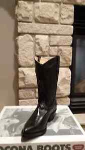 A variety of women'snew Cowboy boots and one pair of men's Peterborough Peterborough Area image 5