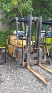 CAT - 8000# Forklift truck - Pneumatic Tire -Used